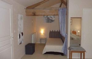 Booking maison de charme avec chambre à 2 lits pour 3 personnes