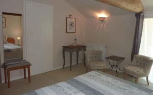 Chambre charme lumineuse en booking maison de charme près du Puy du Fou en Vendée
