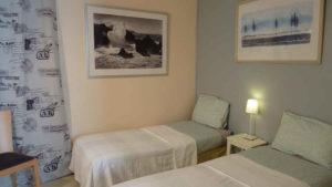 3 lits pour 4 personnes en location bed and breakfast près du Puy du Fou en Vendée