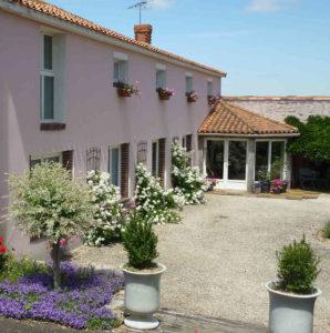 Entrée de la location maison de charme proche du Puy du Fou Vendée