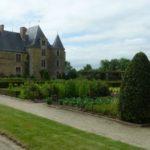 vue du Logis de La Chabotterie en vendée a une heure des chambres d'hotes La Boisnière