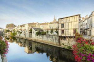 Fontenay le Comte sud vendée près des chambres d'hotes La Boisnière
